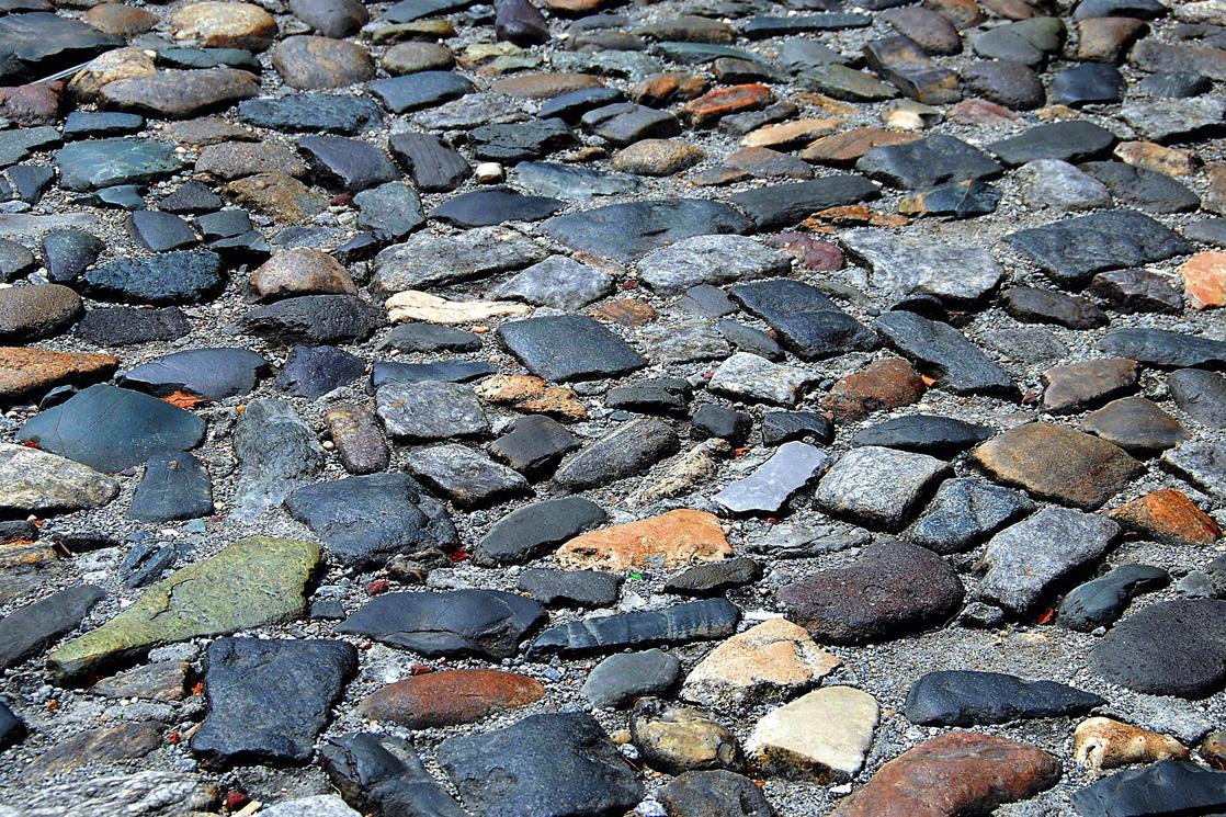pflasterarbeiten bunte steine